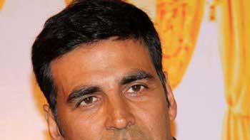 Thousands of Junior Artists for Akshay Kumar Starrer film 'Airlift'