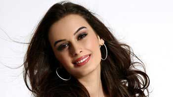 Evelyn Sharma's foundation to hold charity event for Christmas