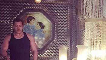 Salman Khan speaks in French in 'Prem Ratan Dhan Payo'