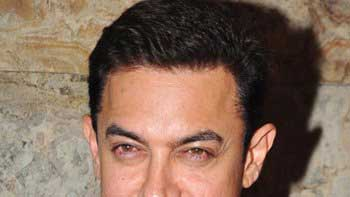 Aamir To Celebrate Eid By Watching 'Bajrangi Bhaijaan' With Family!