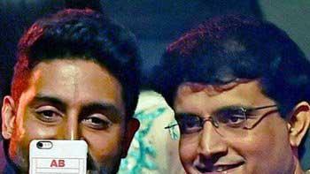 Abhishek Bachchan, Sourav Ganguly selfie at Pro-Kabaddi League