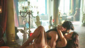 Aditya Roy Kapur, Katrina Kaif's passionate embrace in song 'Pashmina'