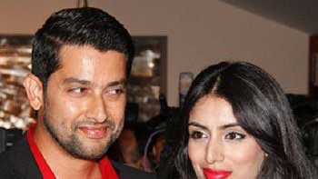 Aftab Shivdasani's wife doesn't want him to star in adult comic capers?