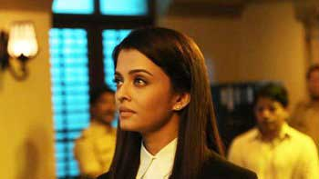 Aish To Shoot 'Jazbaa' Fight Sequences Indoors To Avoid Leaks!