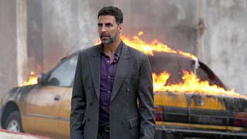 Akshay Kumar is overwhelmed with the response to 'Airlift'