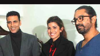 Akshay-Nimrat Promote 'Airlift' At Air India Office