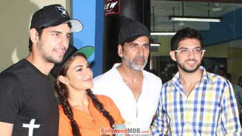 Akshay, Siddharth & Jacqueline Support Women Self-Defence
