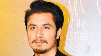 Ali Zafar Plans A Vacation For His Staff!