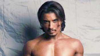 Ali Zafar sports six-pack abs in 'Tere Bin Laden Dead Or Alive'