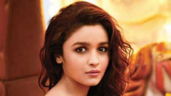 Alia Bhatt Resumes Shooting For Gauri Shinde's Next!