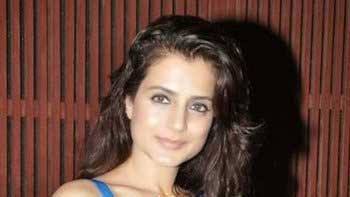 Amisha Patel all set for grand track for 'Desi Magic'