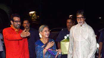 Amitabh Bachchan, Jaya Bachchan attend Mata Ki Chowki