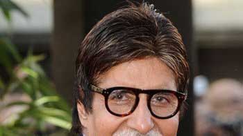 Amitabh Bachchan launches celebrity video blogging app 'Wakau!'