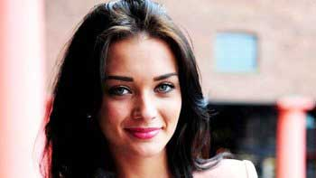 Amy Jackson shifts into her new home in Mumbai
