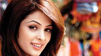 Anjana Sukhani to make her debut in Marathi films
