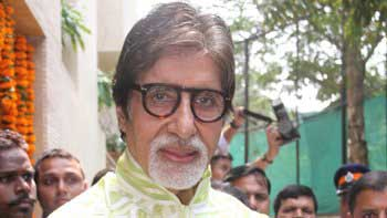 Big B Compliments Bollywood's Favourite Khan Trio