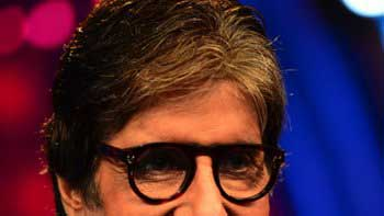 Big B expresses himself about working on his new TV show through his blog
