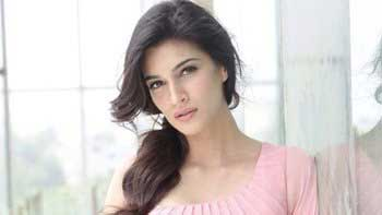 Birthday Girl Kriti Sanon Opens Up About Films, Bollywood And Life!