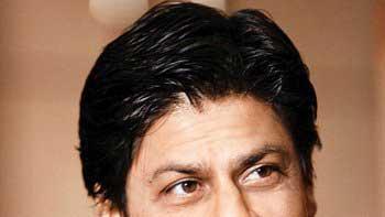 Bollywood Badshah Shah Rukh Khan Crosses 15 Million Twitter Followers!