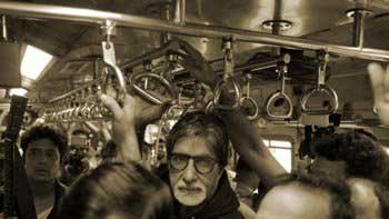 Check out Amitabh Bachchan's Mumbai local train journey
