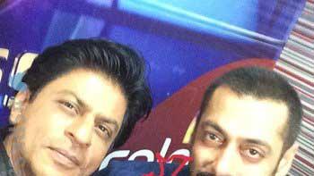 Check out 'Bhai Bhai' selfie of Shah Rukh Khan and Salman Khan