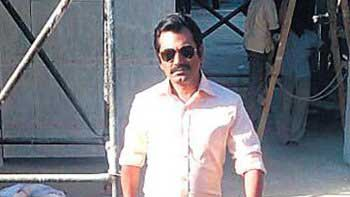 Check out Nawazuddin Siddiqui's cop look from 'Raees'