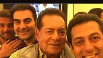Check out Salman Khan's selfie with father Salim Khan and brothers