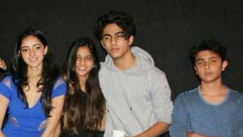 Check out Shah Rukh Khan's kids Aryan and Suhana posing together