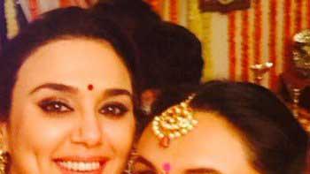 Checkout Preity Zinta & Rani Mukherjee's Diwali Selfie!