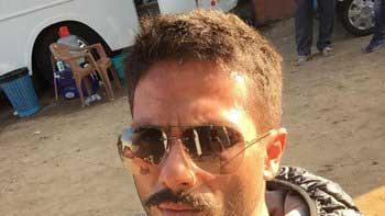 Checkout Shahid's cool 'Rangoon' look!
