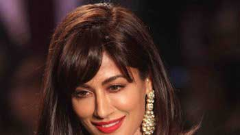 Chitrangada Singh as showstopper for Debarun Mukherjee at AICW 2015