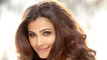 Daisy Shah shoots for 'Hate Story 3', turns evil