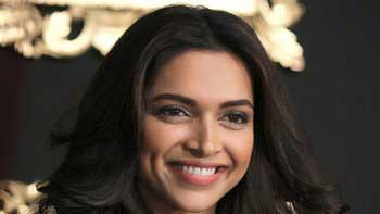 Deepika Padukone becomes the hottest patakha in town!