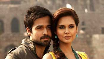 Emraan Hashmi and Esha Gupta to feature in a music video