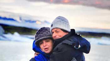 Farah Khan hugs Shah Rukh Khan to beat the cold in Iceland!
