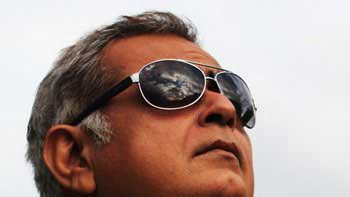 Hansal Mehta to Make Sanjay Gandhi Biopic