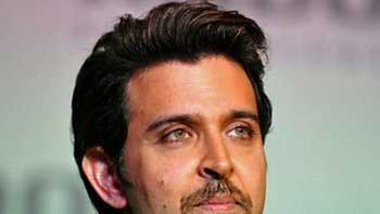 Hrithik injured while performing a stunt on 'Mohenjo Daro' sets
