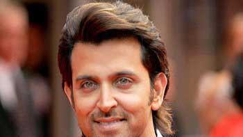 Hrithik Roshan fulfils cancer patient's wish in Jabalpur