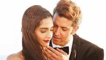 Hrithik Roshan, Sonam Kapoor shine in song 'Dheere Dheere'