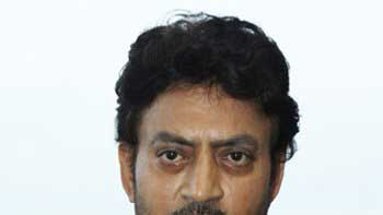 Irrfan Receives The Best Actor Award At An Indian Film Festival In Melbourne
