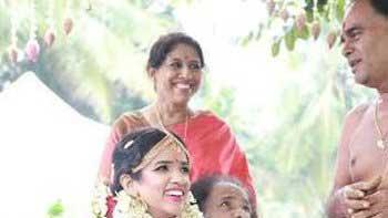 Kavita Krishnamurthy's daughter gets married