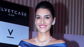 Kriti Sanon unleashes velvety jewellery line