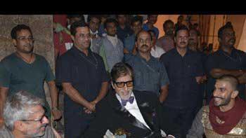 Ranveer Singh's impromptu dance performance for Amitabh Bachchan on 'Bajirao Mastani' sets