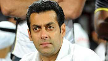 Salman Gets Emotional On The Sets Of 'Prem Ratan Dhan Payo'