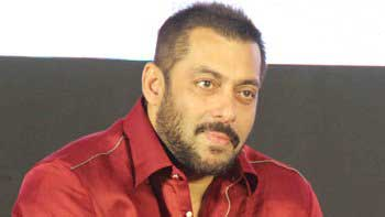 Salman is all set to make Diwali special for Dharavi Kids