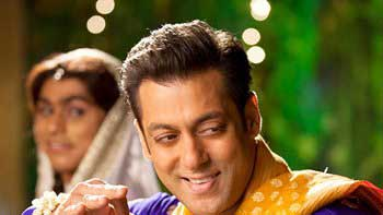 Salman Khan's double role in 'Prem Ratan Dhan Payo': A double treat for audience