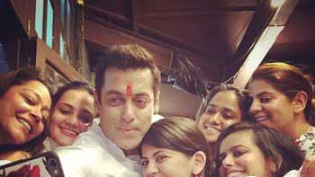 Salman Khan's Rakshabandhan celebrations with six sisters!