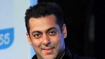 Salman Khan to commence clean-up drive, decides to rehabilitate slum kids