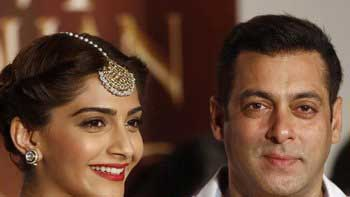Salman Khan to unveil new song of 'Prem Ratan Dhan Payo' in Delhi today