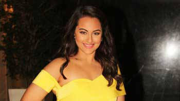 Sonakshi Sinha aims to work hard to win the Filmfare's Best Actress Award